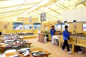 五ヶ瀬川鮎やな 屋内食事スペース