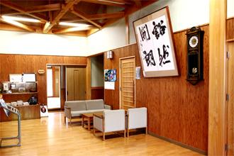 夕府村ホタルの宿 ロビー 宮崎県産材をふんだんに使った宿泊施設