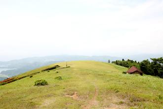 鏡山 山頂草原