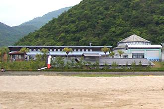ビーチから見た道の駅北浦